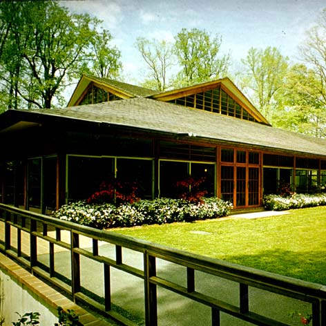 vintage picture of the Winterthur Visitor's Pavilion